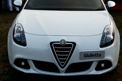 wheel(0.0), alfa romeo mito(0.0), alfa romeo giulietta(0.0), alfa romeo giulietta(0.0), automobile(1.0), alfa romeo(1.0), executive car(1.0), alfa romeo giulietta(1.0), vehicle(1.0), automotive design(1.0), land vehicle(1.0),
