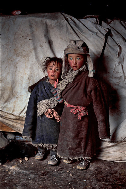 Nomad children, Amdo, Tibet, by Steve McCurry 2001