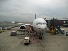 aerospace engineering, airline, boeing 777, aviation, airliner, airplane, airport apron, airport, vehicle, jet bridge, air travel, boeing 767, wide-body aircraft, infrastructure, tarmac, jet aircraft,