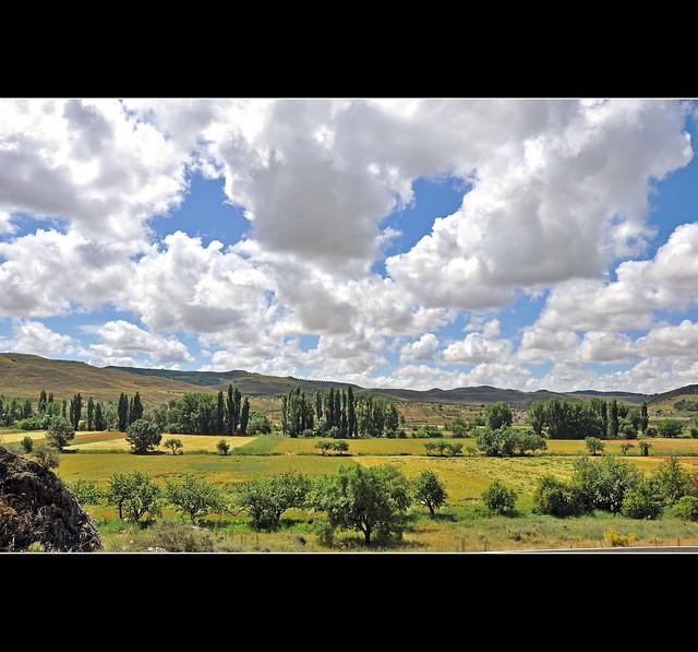 Vistas desde Caraca - Pueblo Carpetano - View from Caraca - Carpetano's People (Serie)