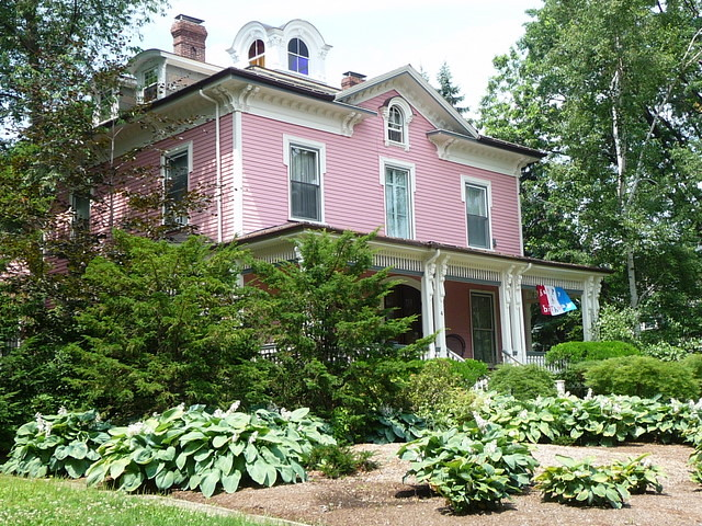 Avon Hill - Pink House on Walnut Street, Cambridge, MA