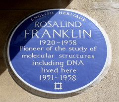 Photo of Rosalind Franklin blue plaque