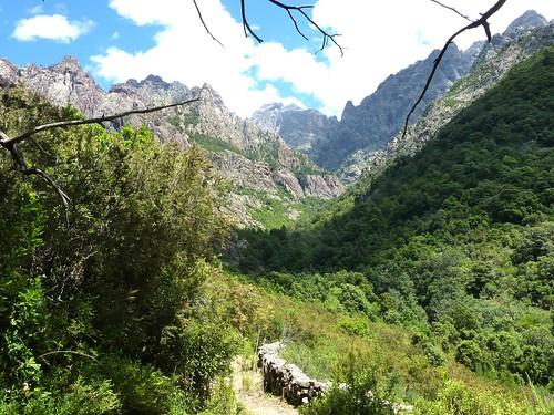 Couvent de Santa Maria : vue du la vallée du Fangu avec le Tafonatu