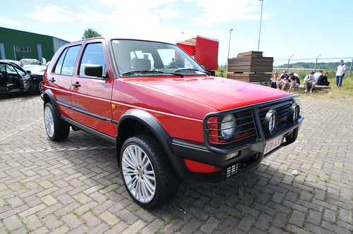 VW Golf Country (4x4)