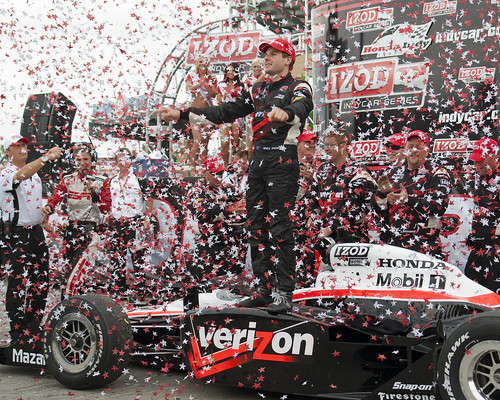 DSC02286 - Will Power confetti shower