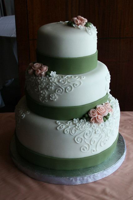 peach roses wedding cake a completely vegan wedding cake flickr photo sharing. Black Bedroom Furniture Sets. Home Design Ideas