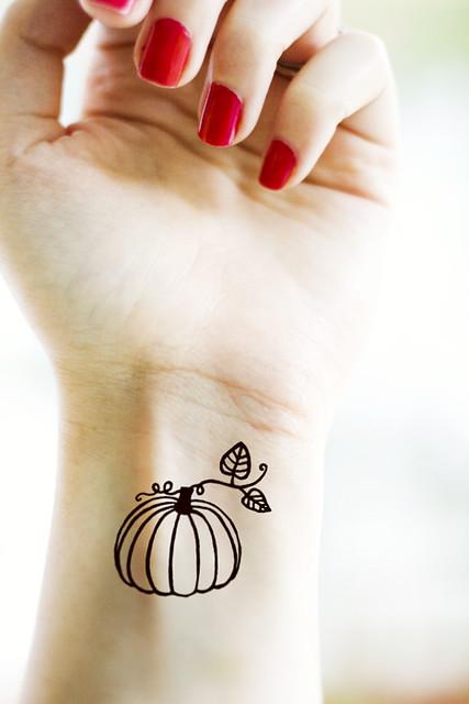 Danielle 39 s pumpkin tattoo a sample of a tattoo for Sample of tattoo design
