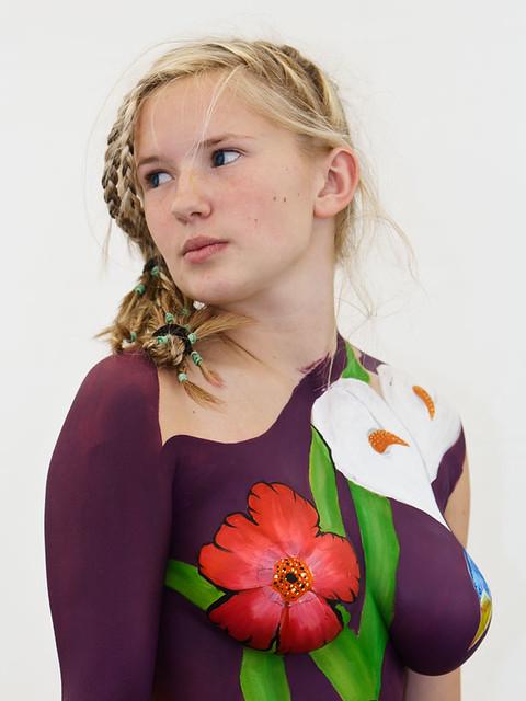 Fotos und Bilder zu Mikaela Hughes (25)