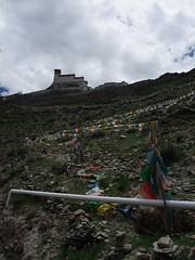 Le monastère sur les hauteurs