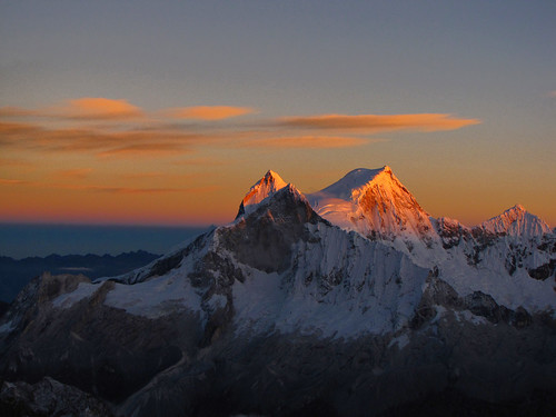 snow mountains nature sunrise landscape climb scenery glacier climbing blanca mountaineering andes range capped cordillera mountaineer ancash huandoy chopicalqui absolutelystunningscapes