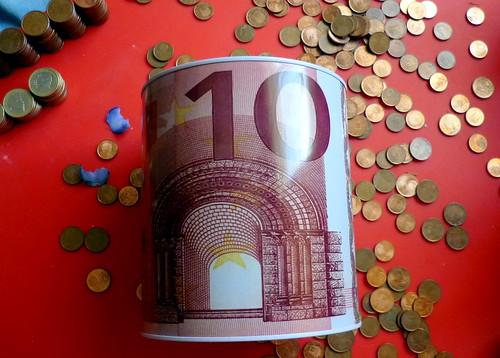 Hucha con moedas