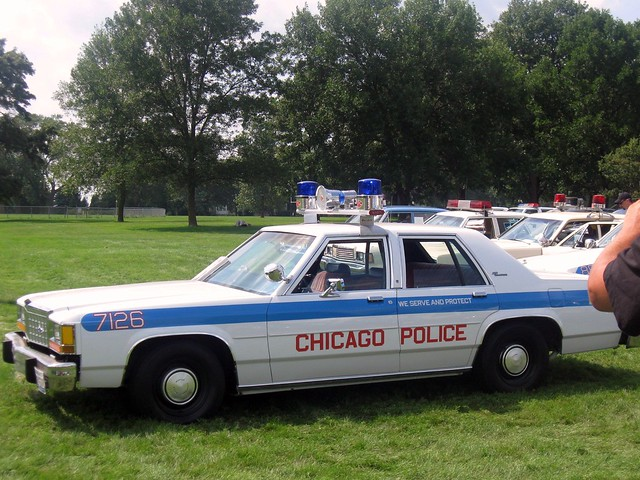 Il chicago police department 2010 chicagoland for Chicago motors used police cars