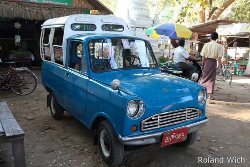 Amarapura - My hired blue taxi
