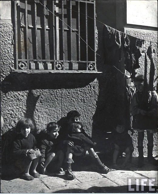 Poor children in Naples, Italy 1944, by George Rodger