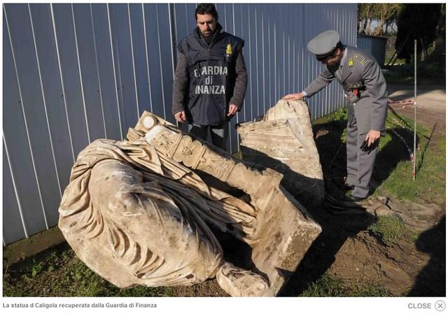 Roma / Nemi - Foto: Ritrovata la Statua di Caligola a Nemi: Patrimonio Archeologico della Guardia di Finanza: (25/31-01-2011).