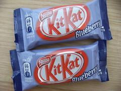 Jen Ken's Kit Kat Blog: Blueberry Kit Kat