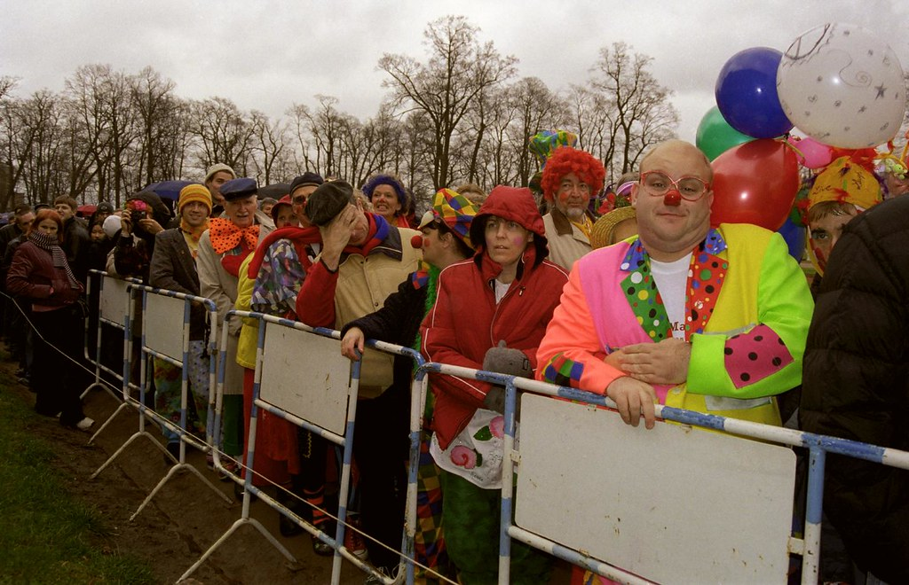 Waiting In Line 1(John Glick/Russia Clown Trip 2004)
