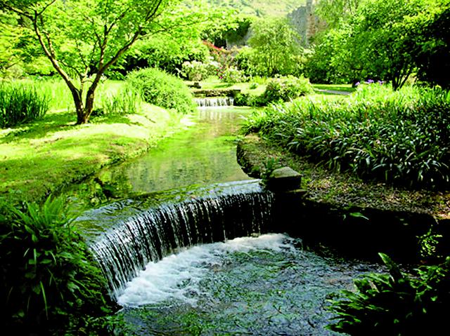 Giardino Di Ninfa Giardino Di Ninfa Cisterna Di Latina