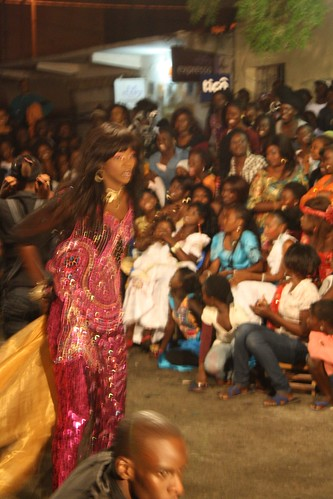 <p>Well-known Senegalese pop and traditional dancer Nogaye Ngone prepares for her moment in the circle.</p>