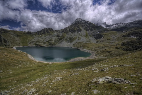 mountain lake alps nature montagne alpes canon landscape photography eos schweiz switzerland photo suisse swiss lac sigma wideangle 1020mm paysage hdr photomatix 450d illsee philippesaire
