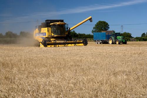 ireland tractor grain harvest combine limerick harvester trailor