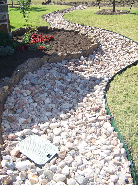 Landscaping White River Rock : Scaping capital landscaping river rocks
