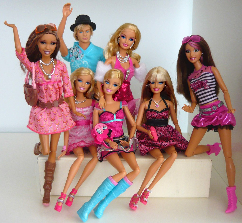 I you have the Fashionistas first line up, you can post your group photo here so we meet them too!