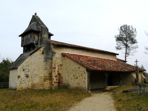 Saint Perdon (Landes): la chapelle Saint Orens, XI°, à 6-7 km du bourg, décorée par Claude Becq (mais fermée).