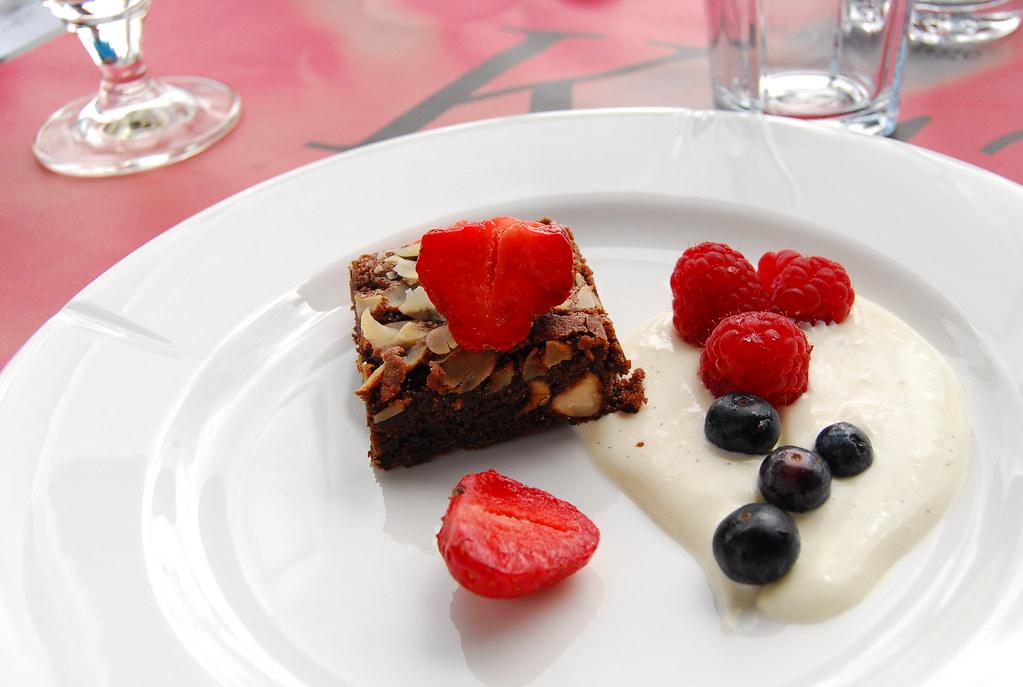 Restauran That Make Food Infront Of You