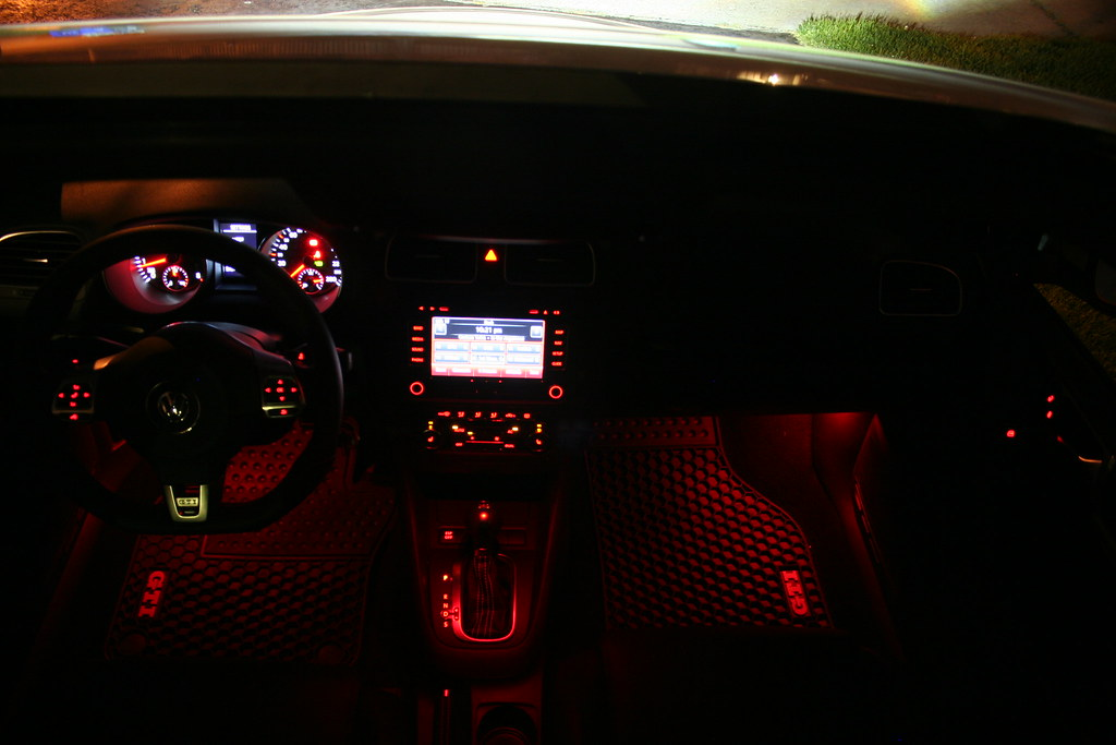 how to activate footwell lights while driving vw gti forum vw rabbit forum vw r32 forum. Black Bedroom Furniture Sets. Home Design Ideas