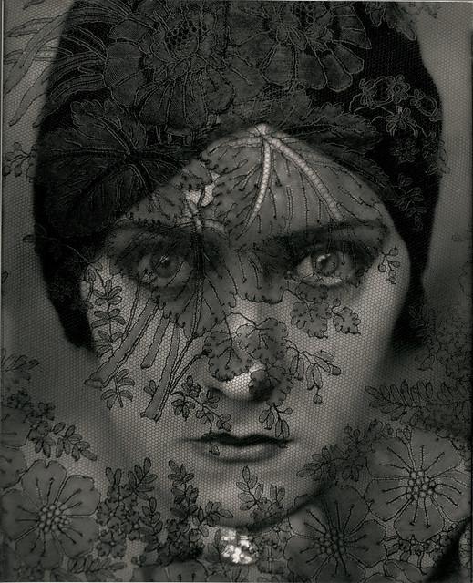 Gloria Swanson, by Edward Steichen 1924