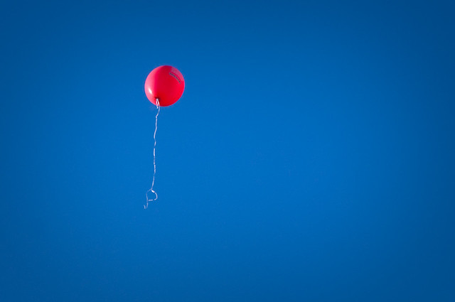 Photo:bye bye balloon By:pj_vanf