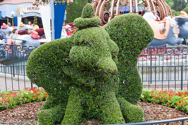 Disneyland Aug 09 - Wandering around Fantasyland