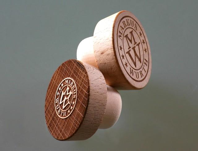 Lasergravierte Holzkorken für Wurth Markus