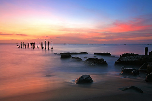 longexposure sunset seascape beach canon indonesia landscape eos pier twilight rocks jetty 5d lombok waterscape ntb ampenan westnusatenggara nusatenggarabarat exharbor