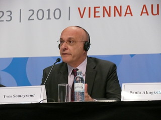 AIDS 2010 Opening Press Conference
