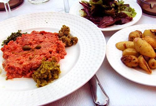 surprising wine pairings steak tartare spumante