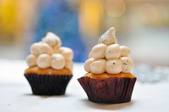 thai tea cupcake