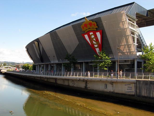 El nuevo estadio del sporting de gijon un molin n de - Fotos sporting de gijon ...
