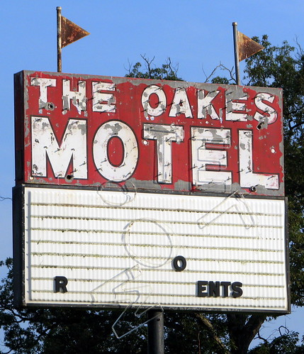 The Oakes Motel - Cave City, KY