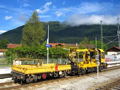Schienenbaufahrzeug