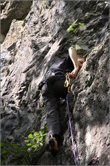 free solo climbing(0.0), adventure(1.0), individual sports(1.0), sports(1.0), recreation(1.0), outdoor recreation(1.0), rock climbing(1.0), sport climbing(1.0), extreme sport(1.0), abseiling(1.0), climbing(1.0), rock(1.0),