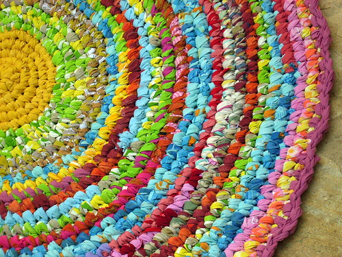 crocheted rag rug - detail
