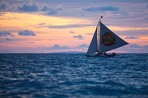 sunset sea island boat philippines sail boracay 海 日落 船 岛 菲律宾 crabboat 帆 长滩 螃蟹船
