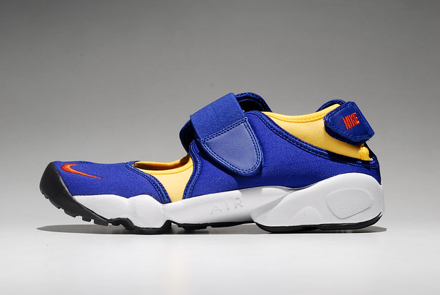 Nike Air Rift Shoes Uk