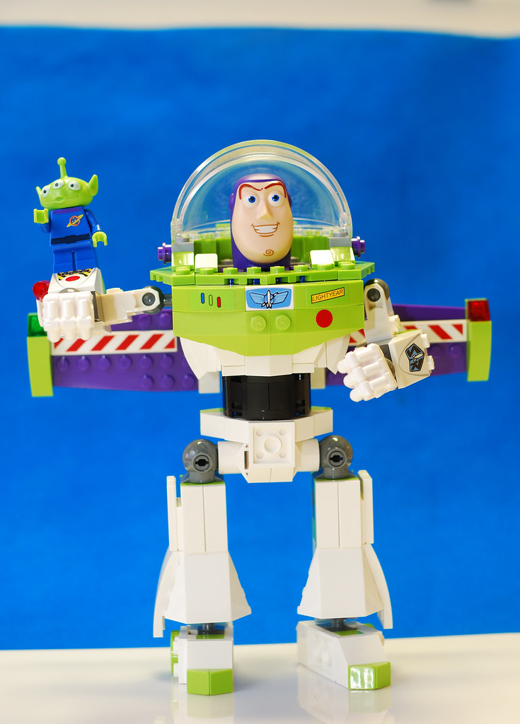 Buzz Lightyear and the Little Alien Minifigure