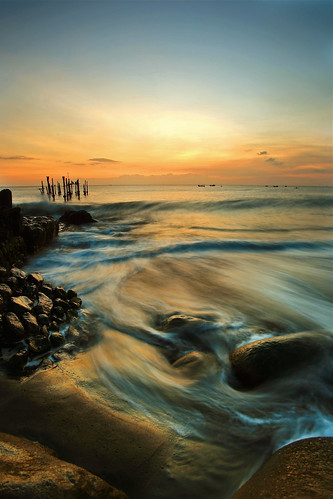 old longexposure sunset seascape abandoned beach rock canon indonesia landscape harbor jetty wave rush 5d lombok waterscape ntb ef1740mmf4l ampenan westnusatenggara nusatenggarabarat mygearandmepremium mygearandmebronze exharbor