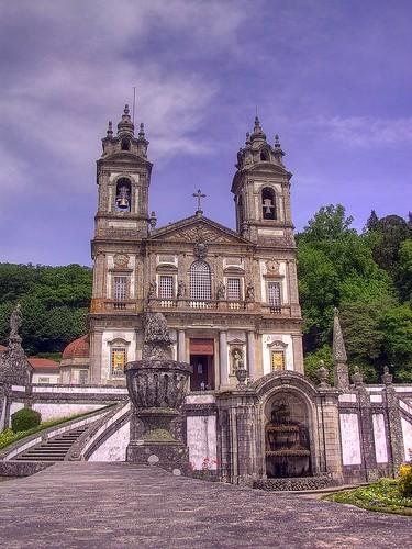 portugal church canon geotagged powershot g1 hdr braga prt canonpowershotg1 powershotg1 photomatix 3exp senhoradarocha geo:lat=4155474633 geo:lon=837791742