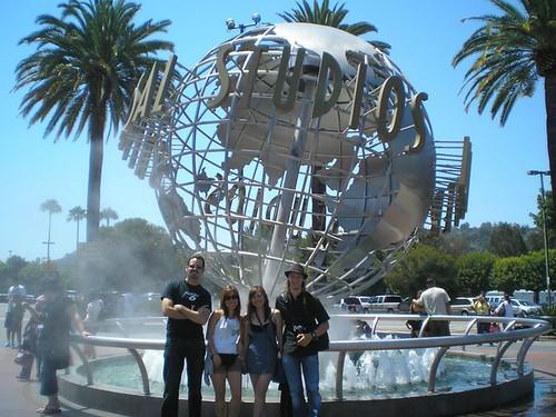 Universal Studios by - Cinthia Fujii -