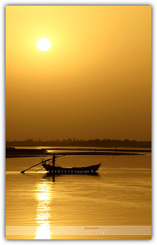 pakistan sunset landscape boat adnan dyinglight beautifulpakistan poznflik sunsetofpakistan
